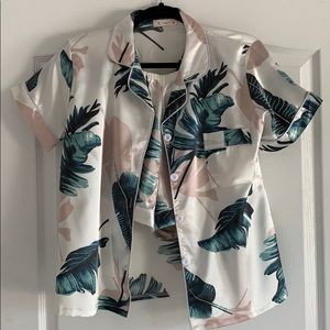 🌺 Tropical print 2-piece pajamas